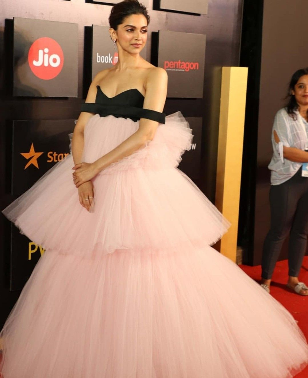Deepika Padukone Deepika Padukone Gown Deepika Padukone Dresses Gowns