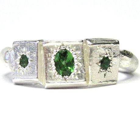Caravel ring