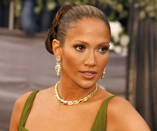 Jennifer is a classic beauty but toning down the bronzer would pin for later the most iconic oscars beauty missteps of all time jennifer lopez 2006 jennifer is a classic beauty but toning down the bronzer would have ccuart Choice Image