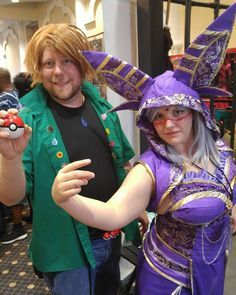 Cute And Silly Pokémon Costumes For Couples Pokemon Couples - 28 awesome halloween costumes couples