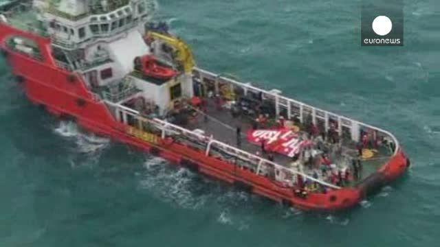 El copiloto estaba al mando del avión de AirAsia