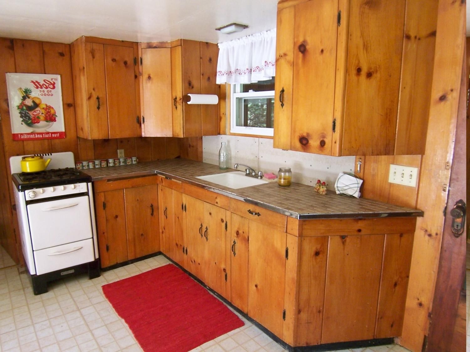 Knotty Pine Cabinets Are Great For Any Kitchen Design Because The Look Of The Wood With Di Knotty Pine Cabinets Kitchen Cabinets For Sale Pine Kitchen Cabinets