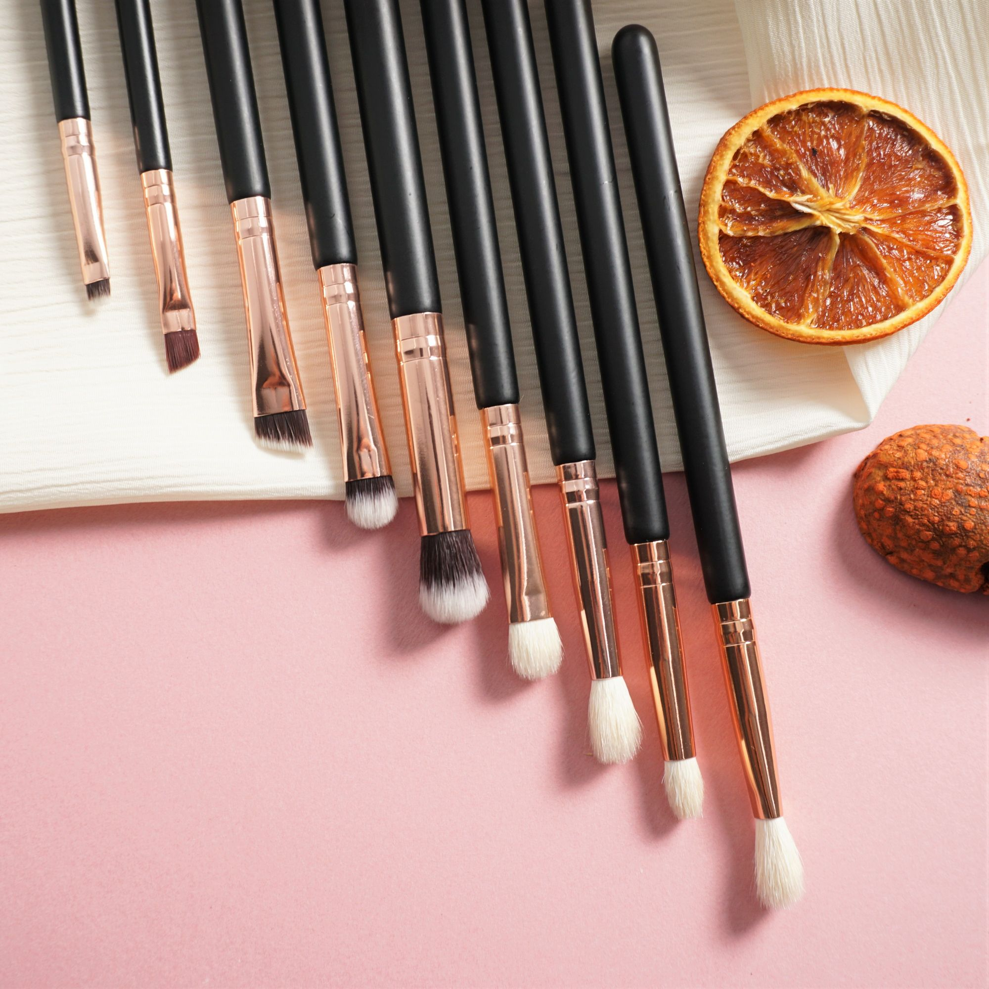 Elegant eyes 🍊 Our eye brushes are a sophisticated must