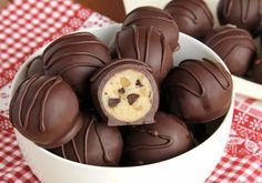 Truffes à la pâte de biscuits (Enrobé de chocolat!)