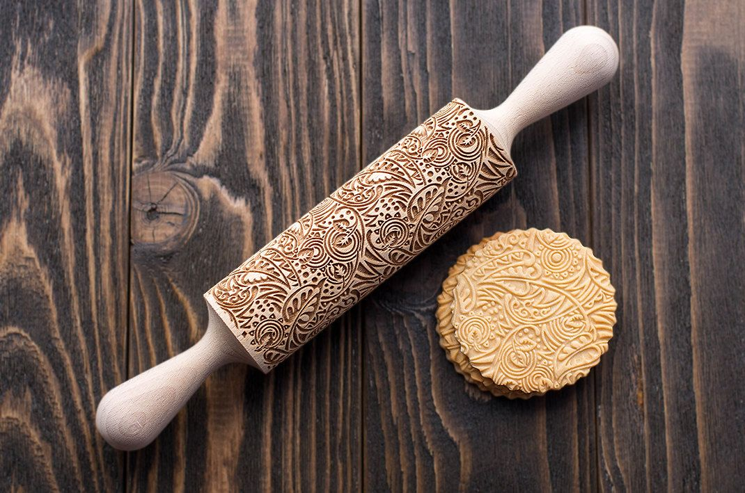 HALLOWEEN Pattern Wooden Rolling Pin Carved Wood Embossing Gift Kitchen Tool