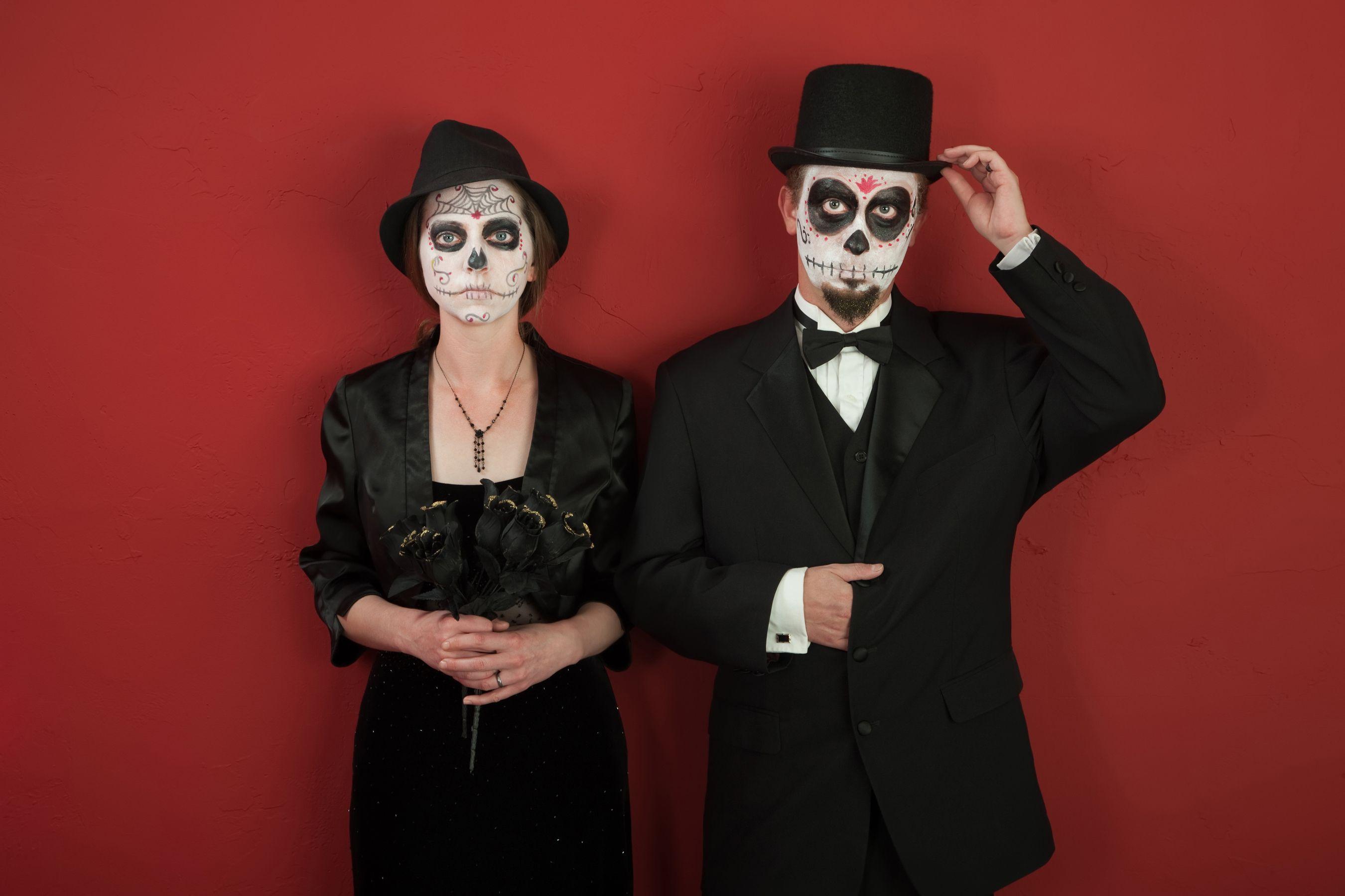 Disfraces creativos para parejas en Halloween hechos en