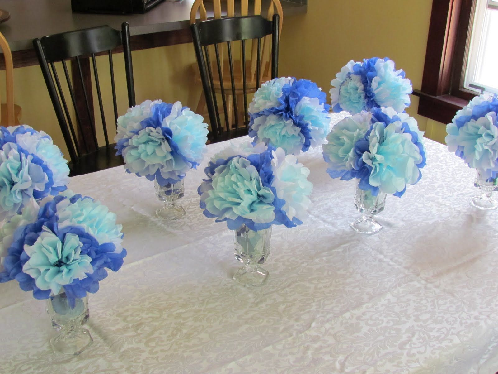 Baby shower ideas for boys on a budget decorations for Baby shower centerpiece decoration