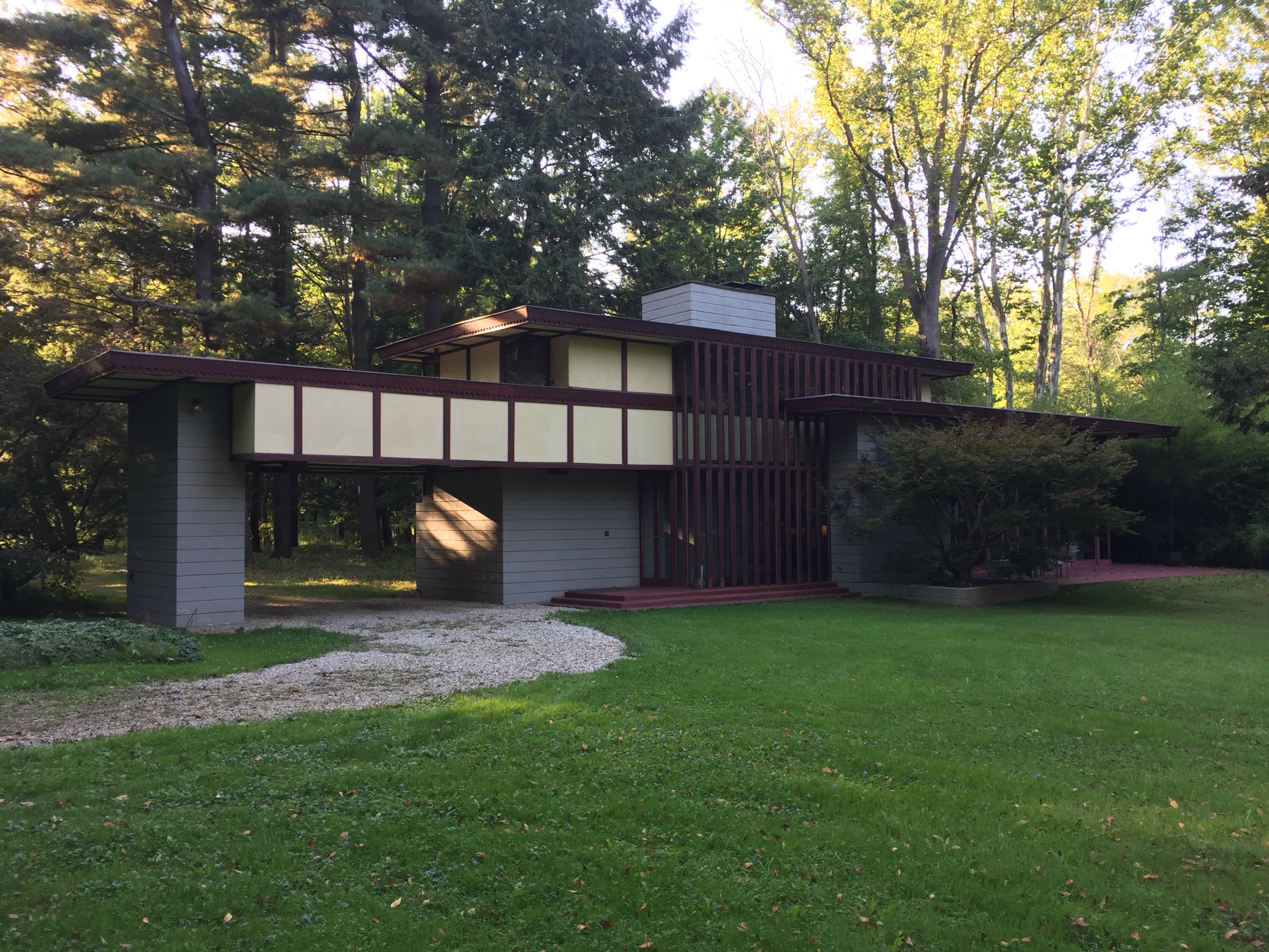 The Louis Penfield House Is A Rare Frank Lloyd Wright Designed Two Story Usonian Home Frank Lloyd Wright Design Frank Lloyd Wright Lloyd Wright