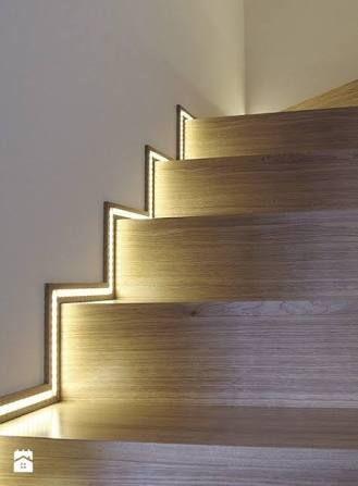 テープライト 間接照明 の画像検索結果 Idee Deco Escalier Deco