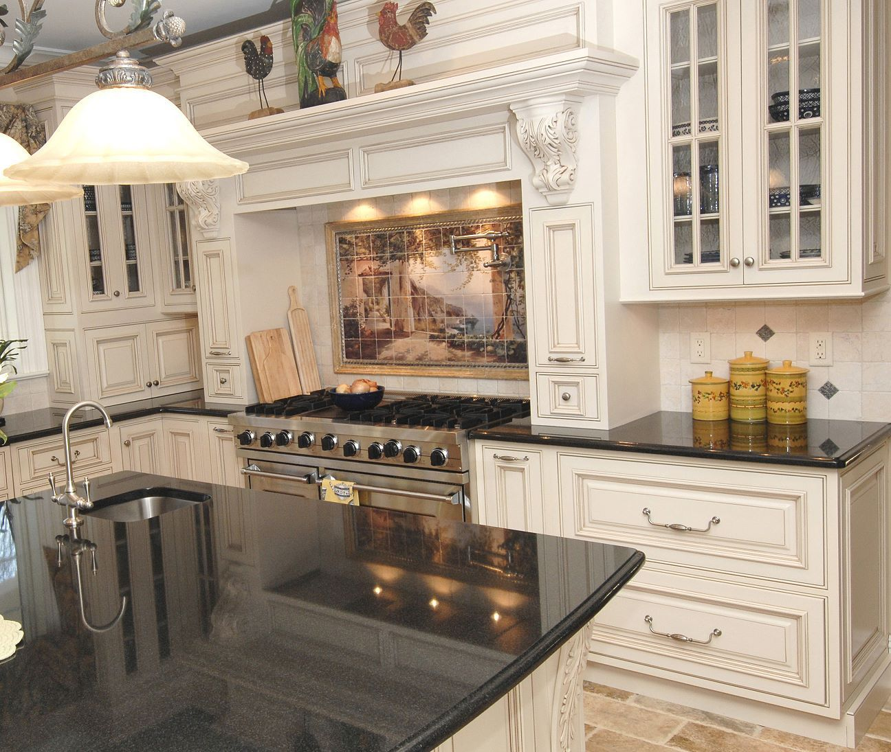 25 Traditional Kitchen Designs For A Royal Look Godfather Style Traditional Kitchen Design Kitchen Style Traditional Kitchen