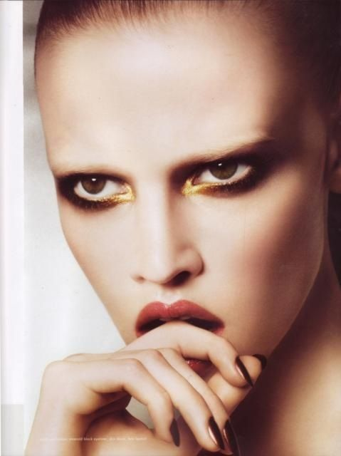 The New Beauty Trend of Bleached Eyebrows #BleachedEyebrows ...