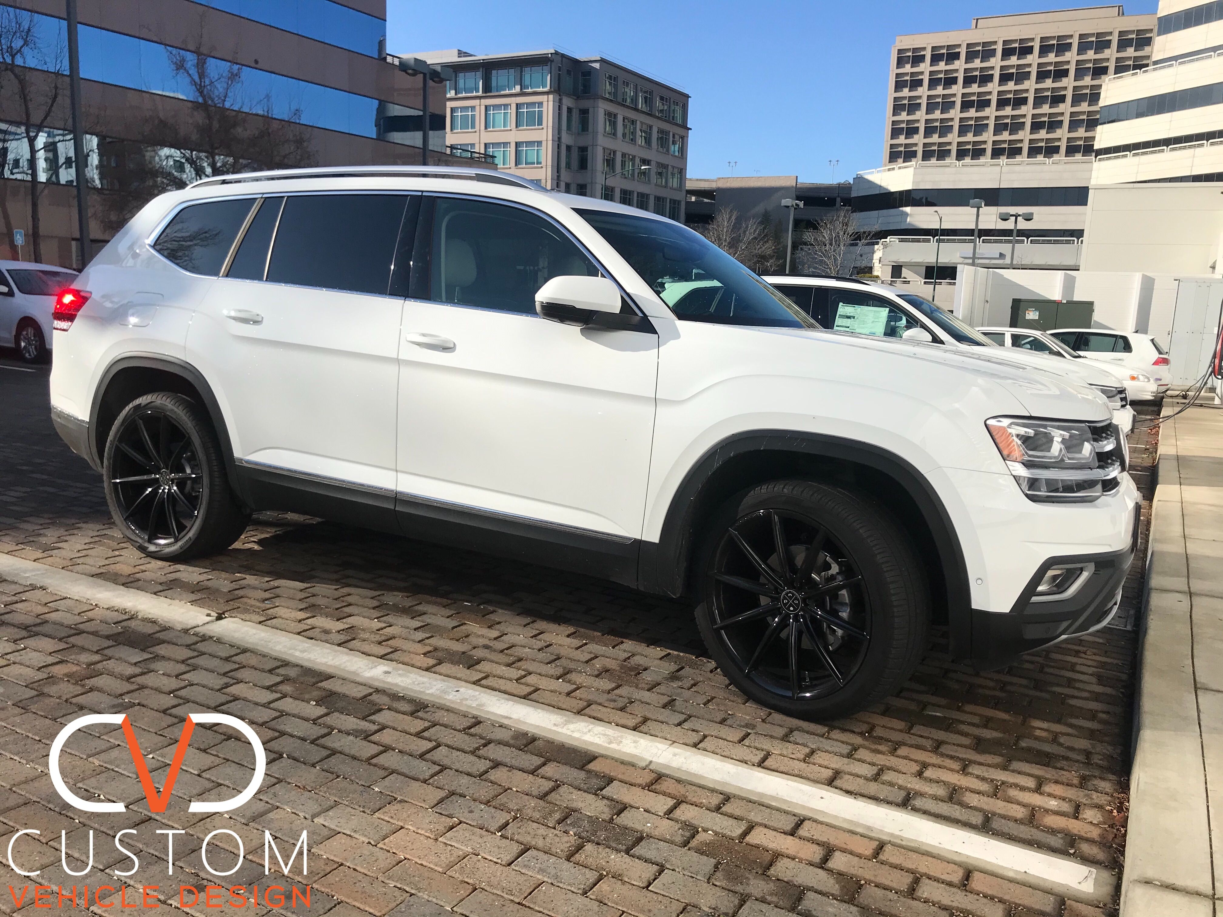 2020 Volkswagen Atlas With 22 Blaque Diamond Wheels Pirelli