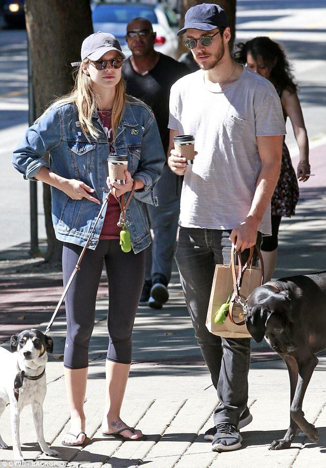 Melissa Benoist And Boyfriend Chris Wood Take Their Dogs For A Walk Melissa Supergirl Chris Wood Melissa Benoist