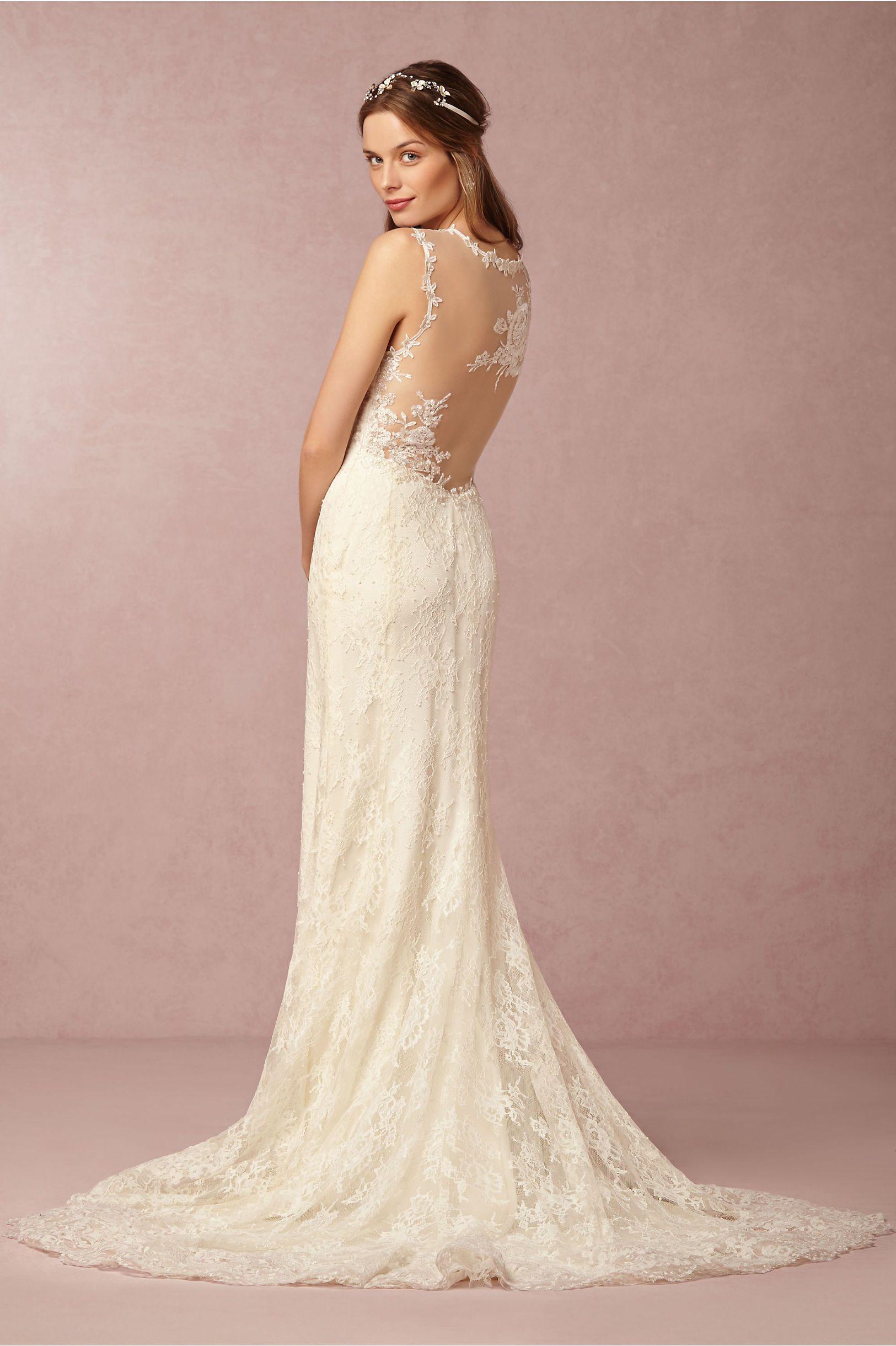 15 Beautiful Backless Wedding Dresses & Gowns | Novios