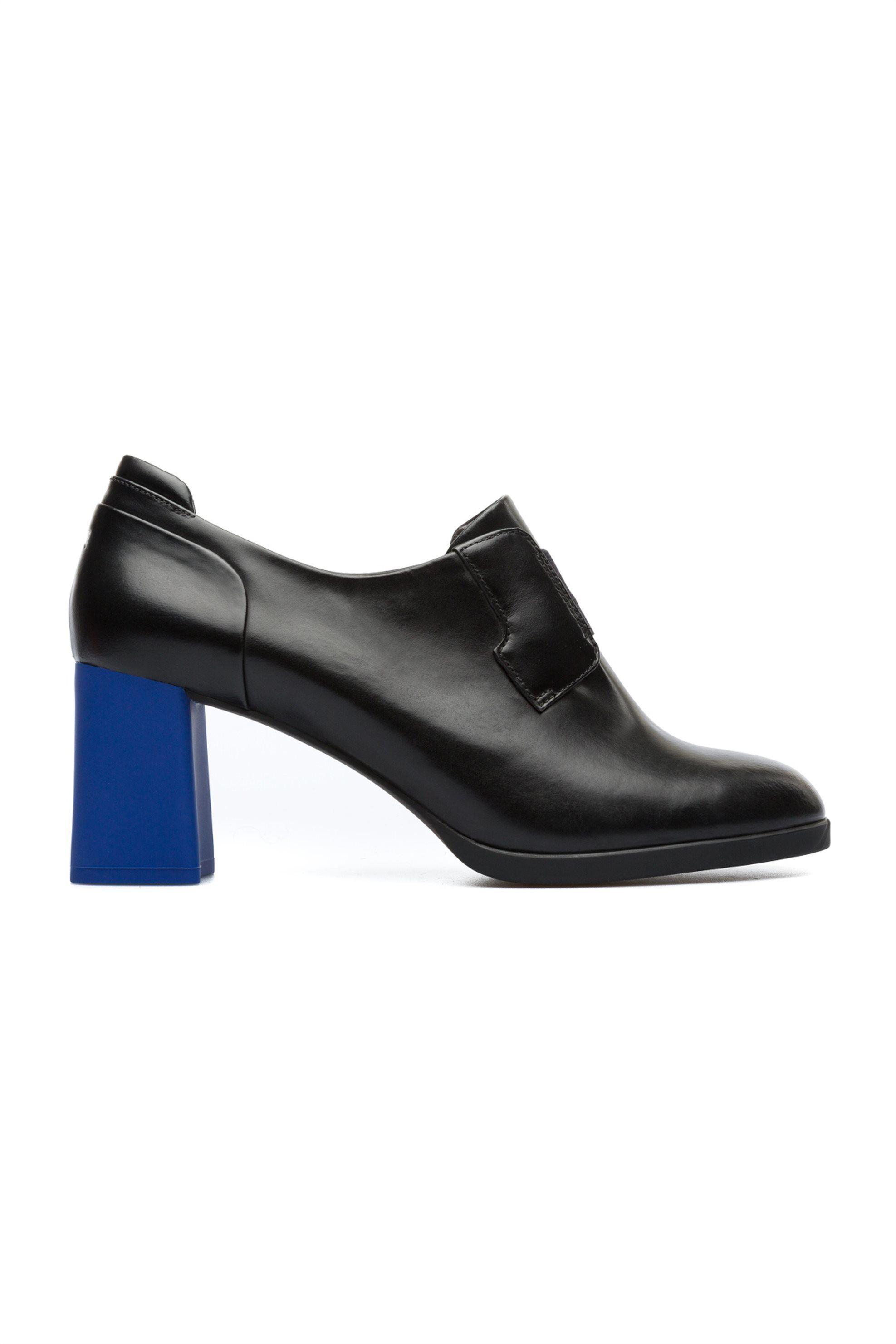 16fdb556741 Μποτάκια Camper. Γυναικεία μαύρα παπούτσια με χοντρό τακούνι σε διαφορετικό  χρώμα. Τακούνι 7 εκ