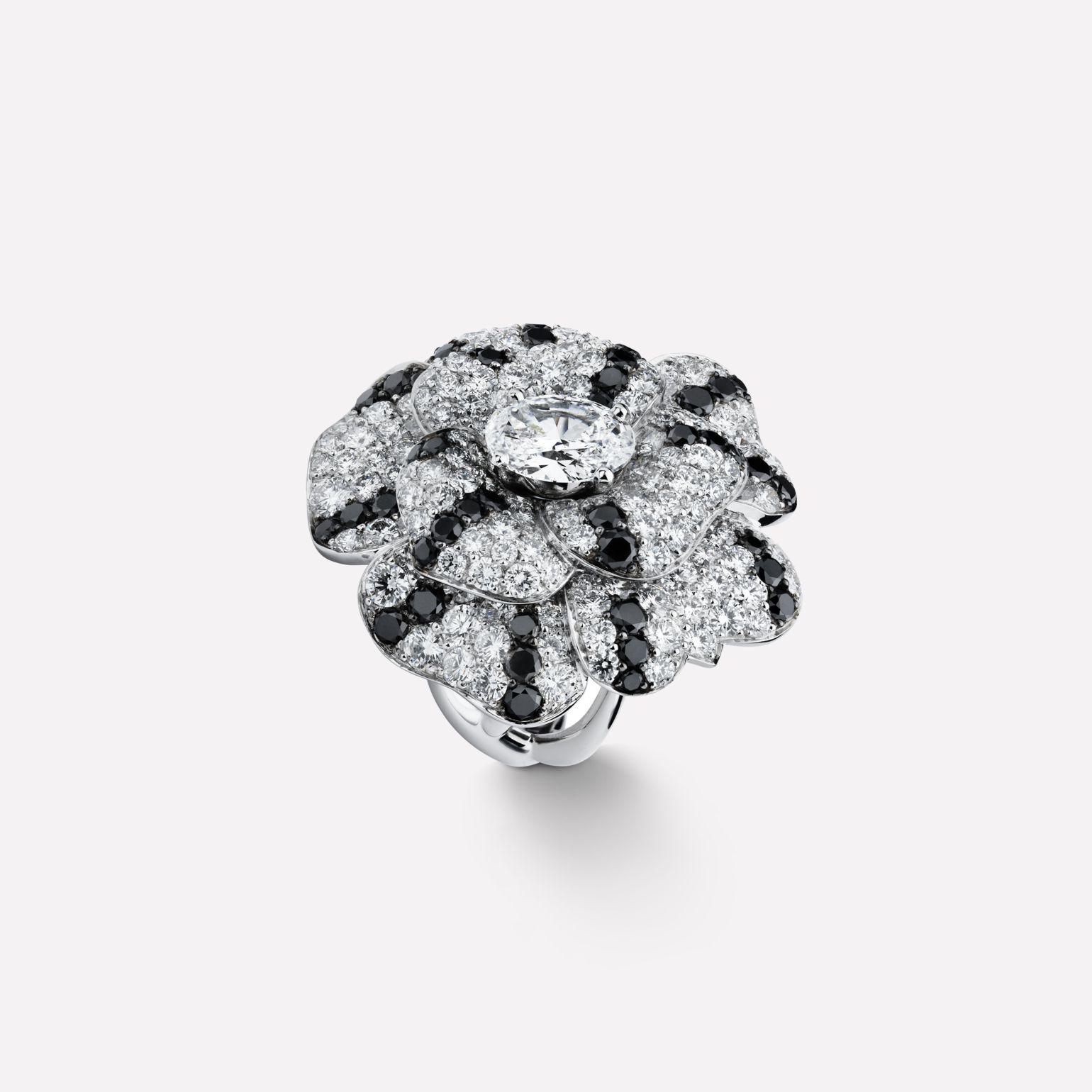 ae277297b3fd3d Camélia ring - Pétales de Camélia ring in 18K white gold and black diamonds  with one center diamond J2979 at the CHANEL Fine Jewelry website.