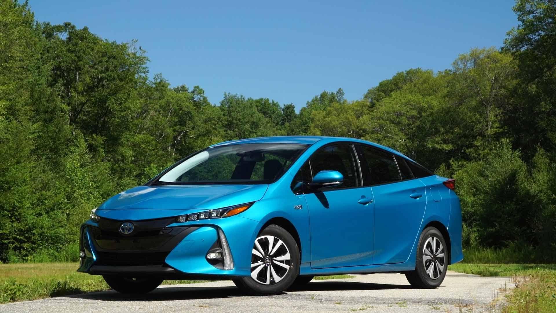 2017 Toyota Prius Prime First Drive Toyota prius, Toyota