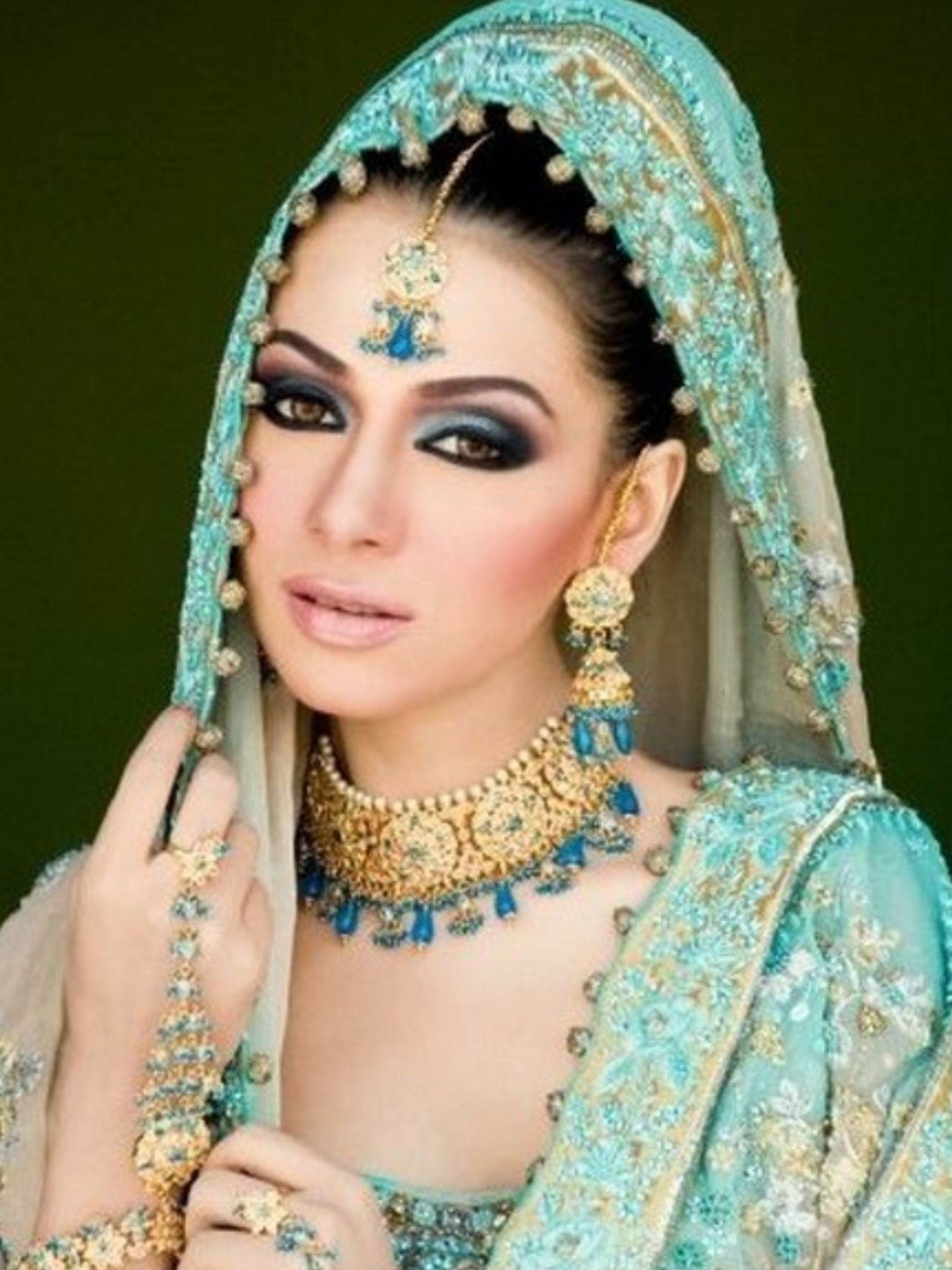 Love The Light Turquoise And Gold Indian Fashion Asian Bridal Makeup