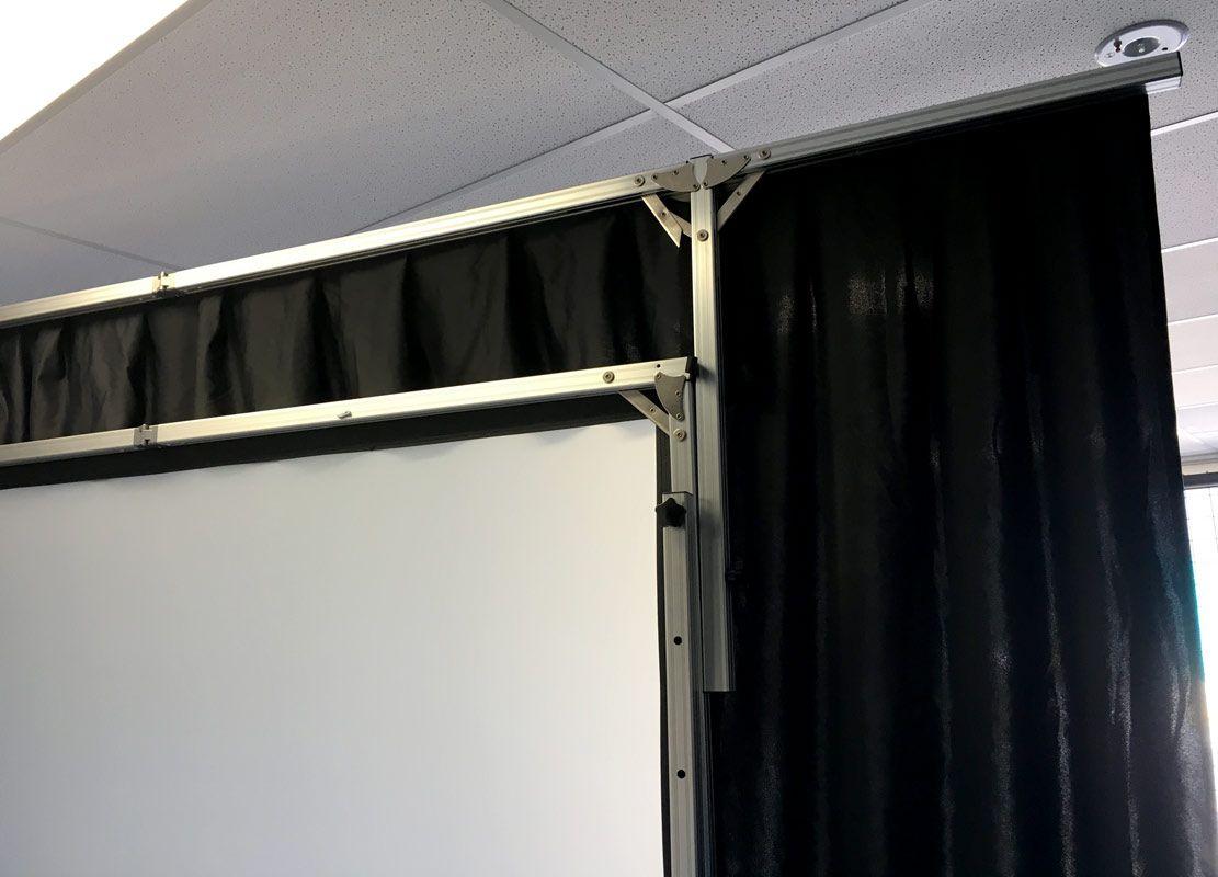 Smartfold 120 3 04m Portable Indoor Projection Screen Screen