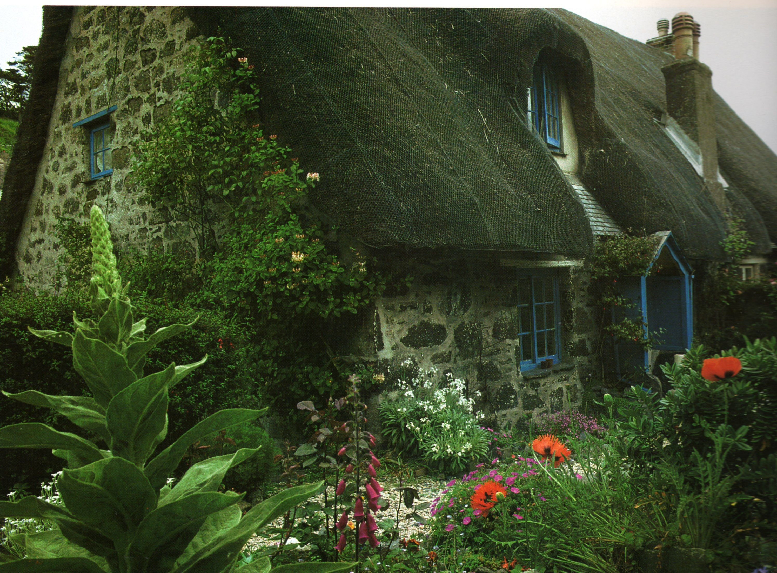 Pin De Lori Brezoff En Home Sweet Home Casas De Campo Fachada De Casa Tipos De Vivienda