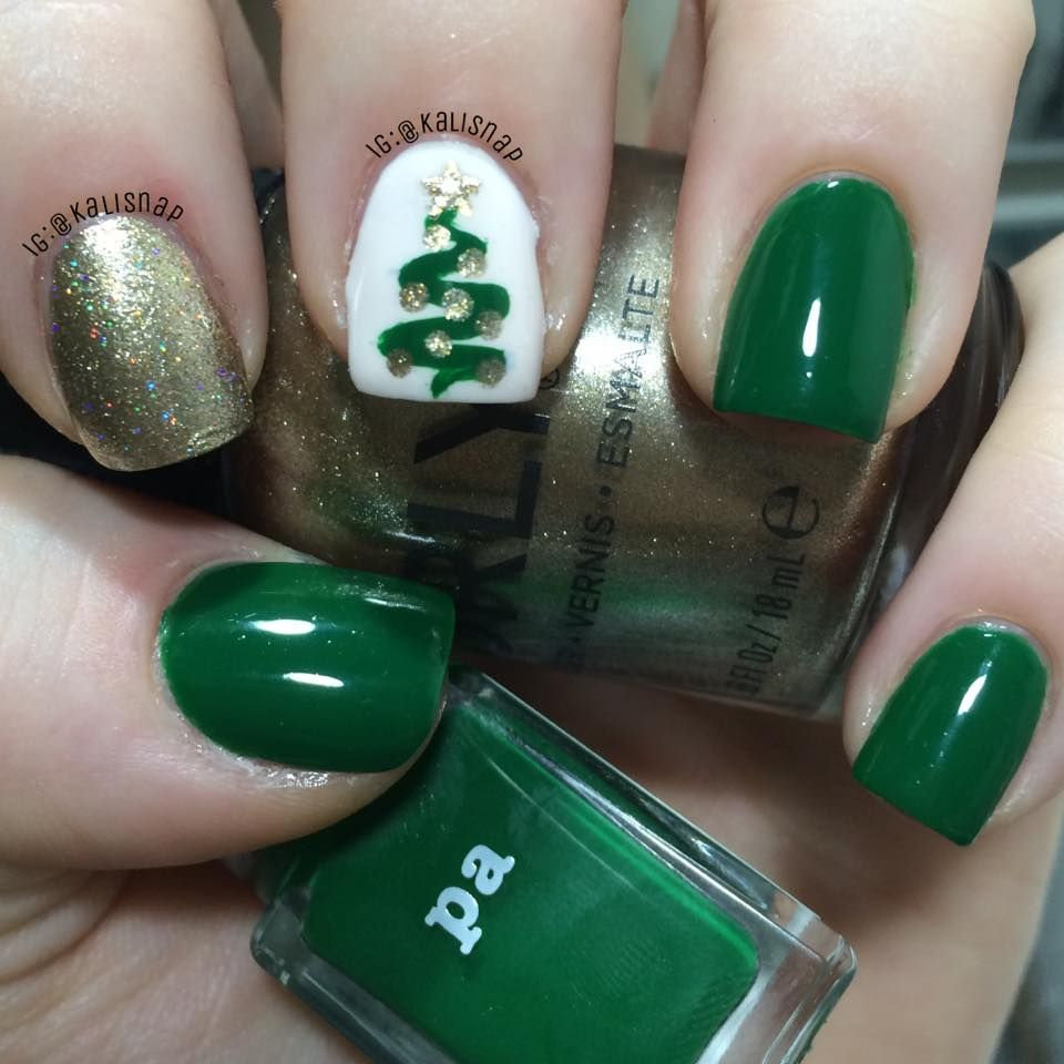 I seriously love Winter/Holiday/Christmas manis. Here\'s my most ...