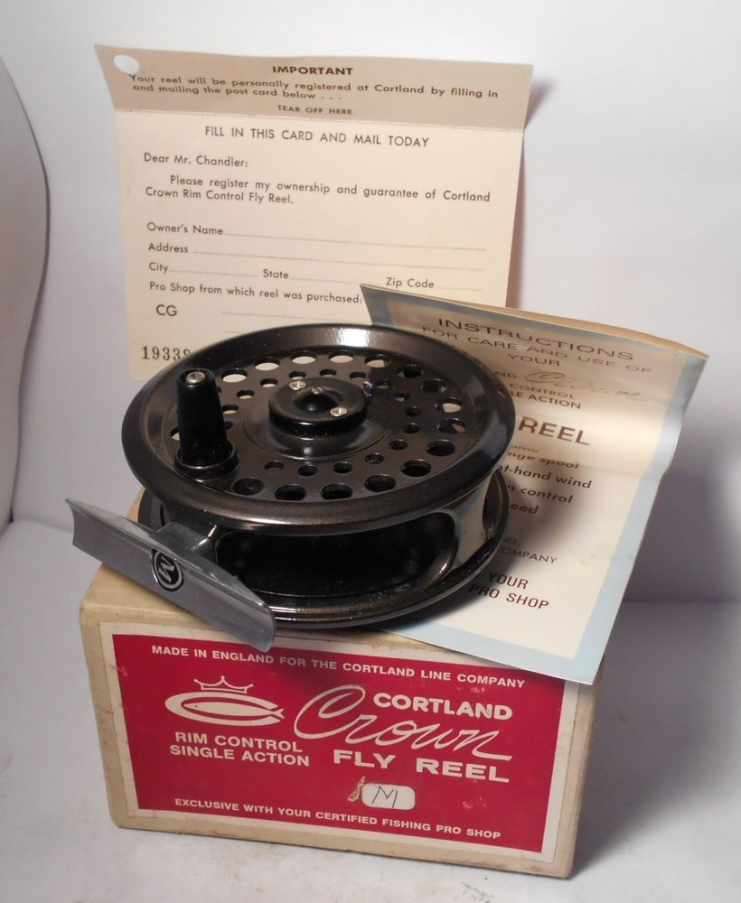 Excellent vintage cortland crown size m fly fishing reel w for Fly fishing box