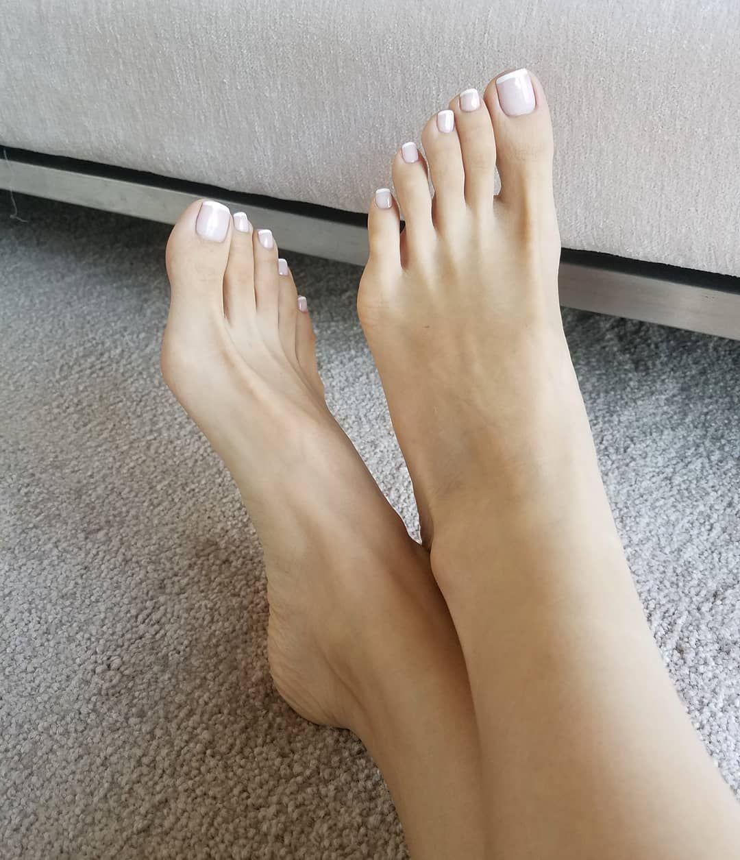 рада ознакомиться женские ступни большого размера фото келли