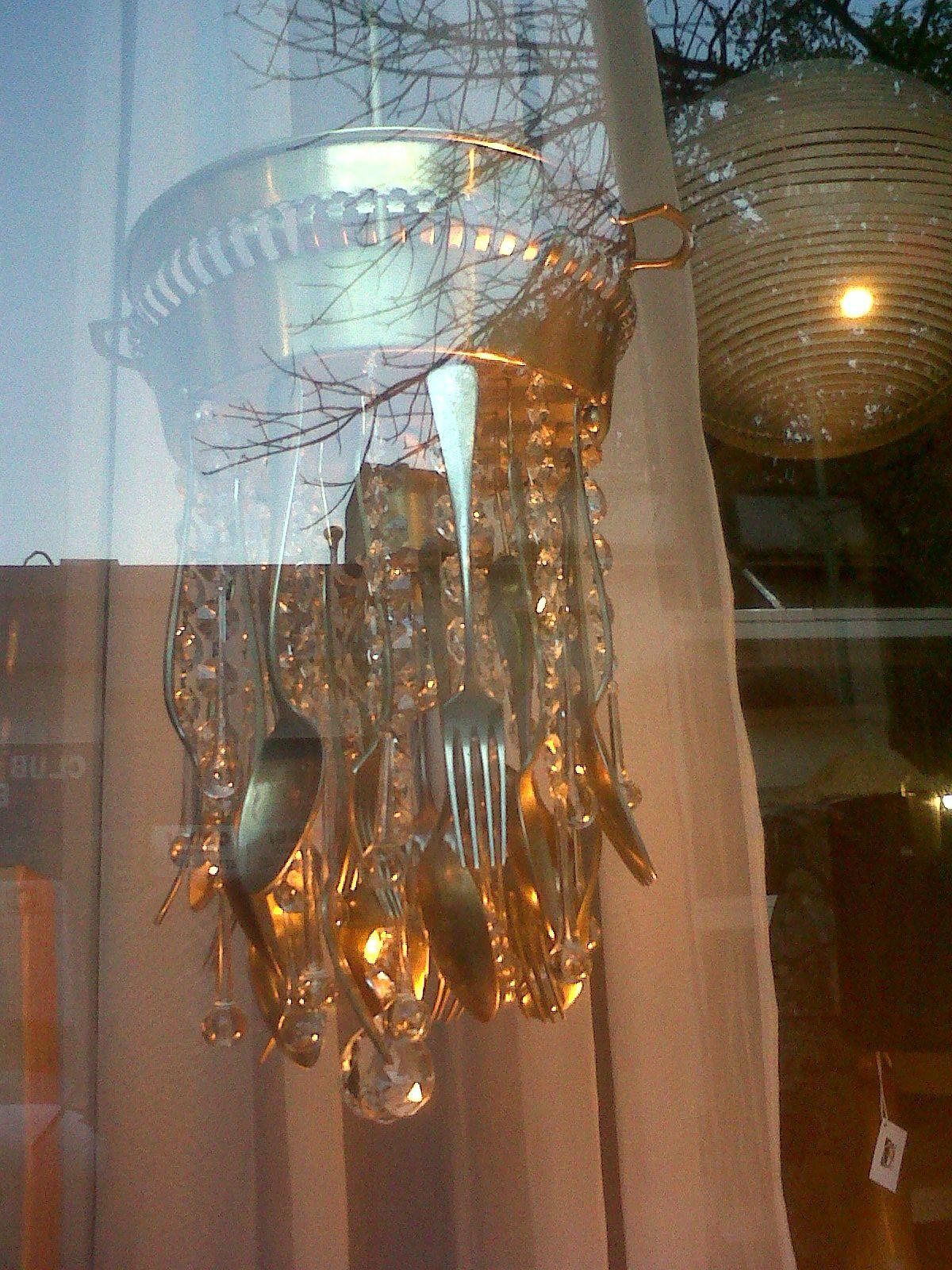 lampara de cubiertos