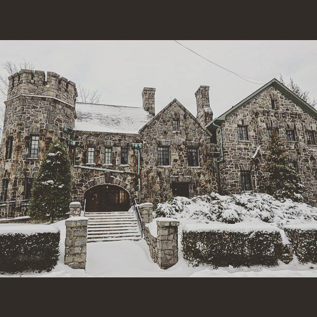 Homewood looks absolutely stunning in the snow. Homewood, Asheville Wedding Venue.  #ashevillewedding #homewoodwedding #ashevilleweddingvenue