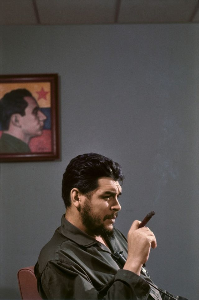These fascinating photographs are portrait of Che Guevara that were taken by Elliott Erwitt during an interview with Lisa Howard in Havana, ... #cheguevara These fascinating photographs are portrait of Che Guevara that were taken by Elliott Erwitt during an interview with Lisa Howard in Havana, ... #cheguevara