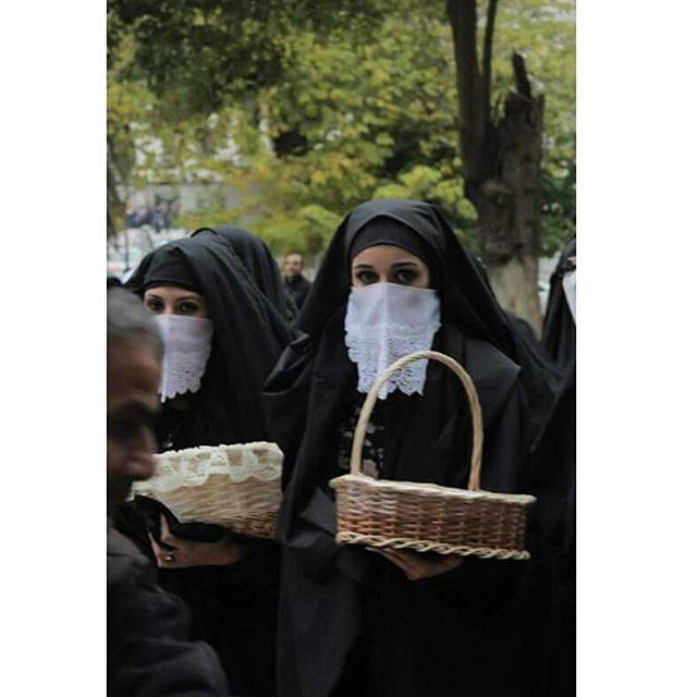 الملاية اللباس التقليدي للمرأة في الشرق الجزائري