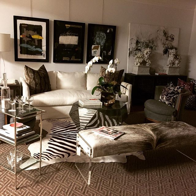 Stunning Thibaut Sofa In Rustic Linen By Verellen , Club Cu