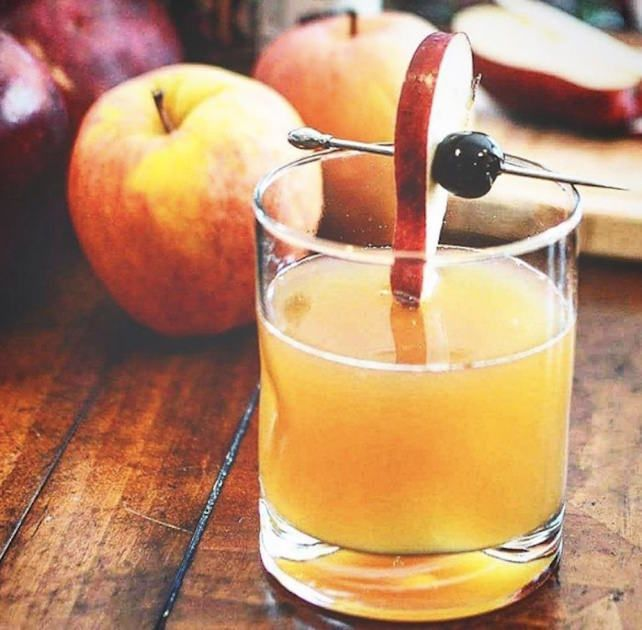Thanksgiving Themed Drinks: 10 Thanksgiving Themed Cocktails That Will Up Your Hosting