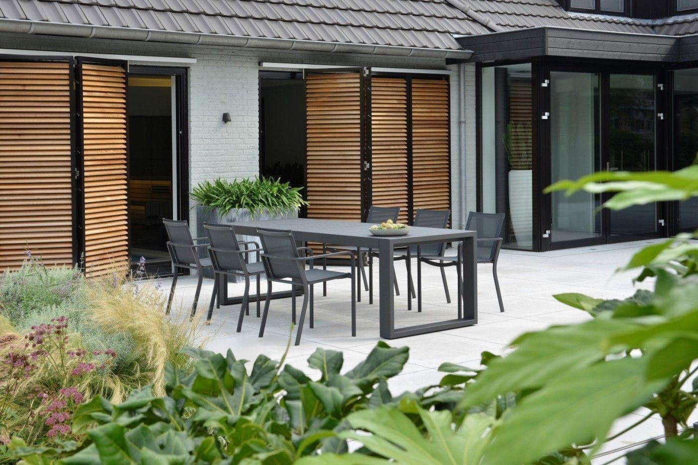 Borek tuinmeubelen en parasols bij showroom and outdoor living