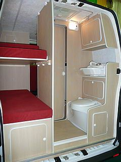 r sultat de recherche d 39 images pour fourgon amenage 4 places avec lits superposes camping. Black Bedroom Furniture Sets. Home Design Ideas