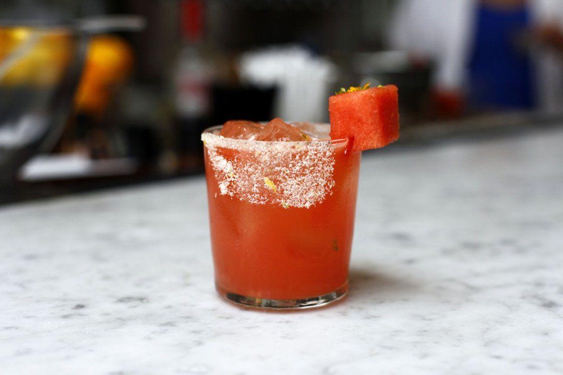 Sacrifice Calories Not Taste With Skinnier Summer Cocktails Summer Drinks Alcohol Summer Cocktails Summer Cocktail Recipes