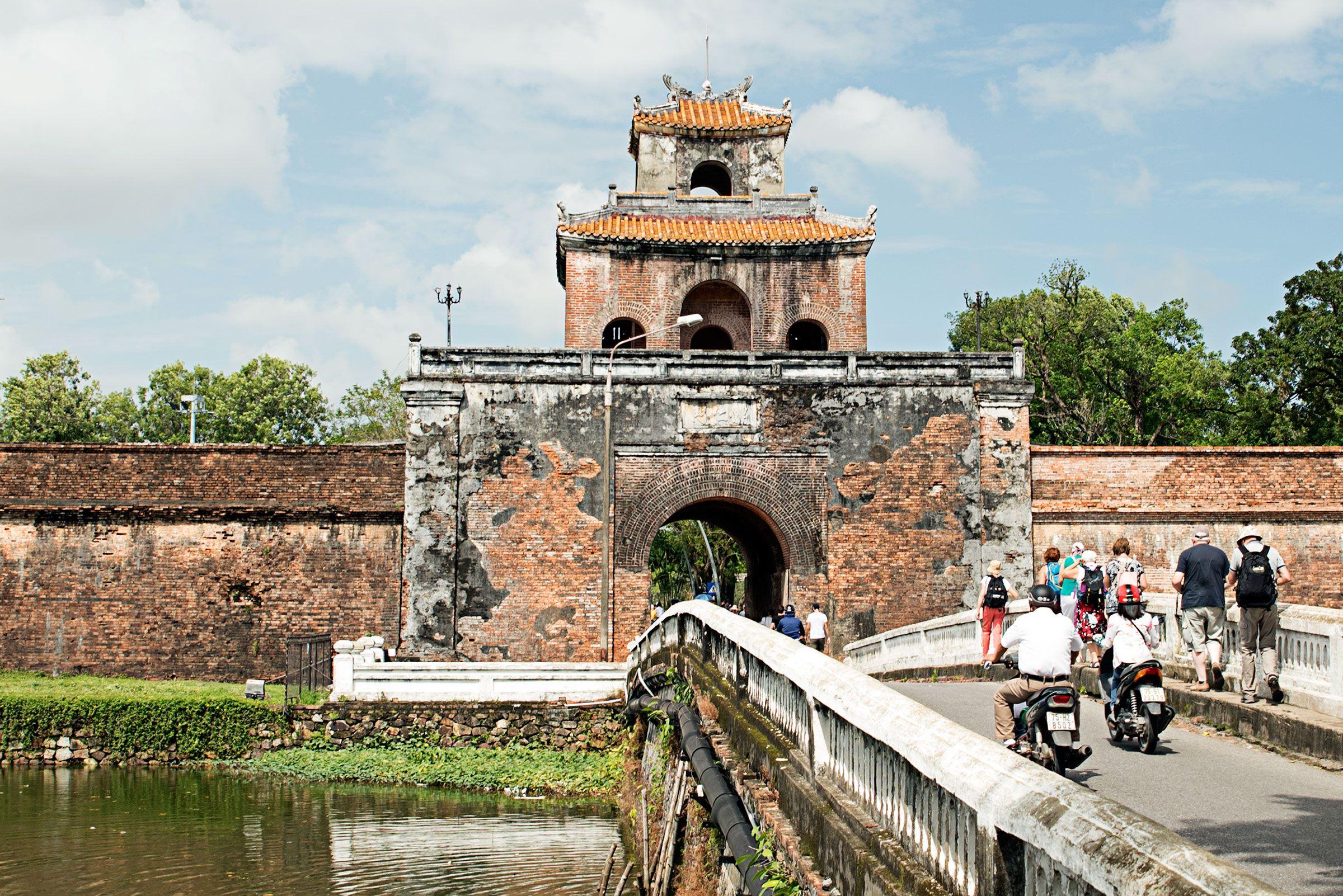 The Gate Tower At The Entrance Of Forbidden City Of Hue Vietnam Forbidden City Vietnam Travel Vietnam