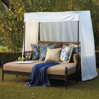 Soro Loveseat With Canopy And Cushions