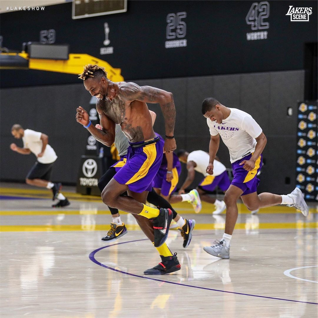 Keep Calm And Hard Work Dwight Howard And Zach Norvell Jr Los Angeles Lakers Howard Dh39 Norvell Los Angeles Lakers Lakers Team Basketball Pictures