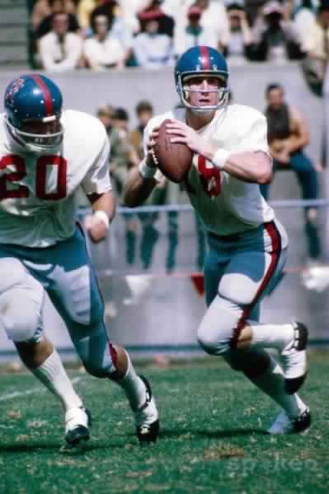 Archie Manning At Ole Miss Eli Looks A Little Like His Dad When He Runs But Neither Son Can S College Football Players Ole Miss Football Nfl Football Players