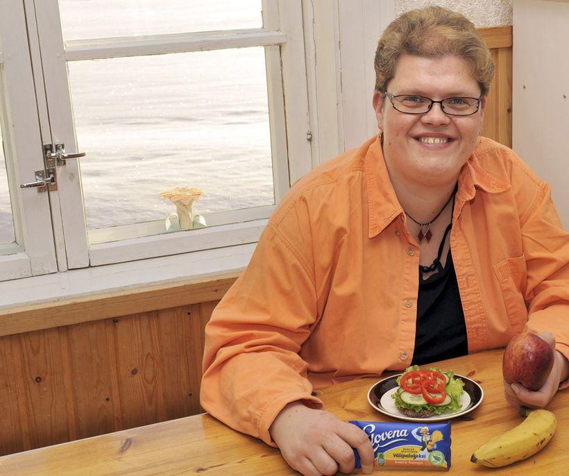 Kuiduilla diabetes kuriin  Lauantai 29.1.2011 klo 18.22   Runsaskuituinen ruoka on korvannut kakkostyypin diabetesta sairastavan Minna Leinosen lääkkeet.
