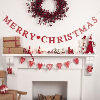 Merry Christmas Wooden Garland Garlands, Merry and Christmas things