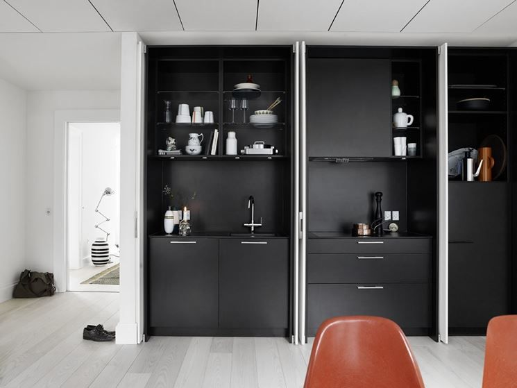 Cucine Ikea A Scomparsa : Esempio di cucina monoblocco a scomparsa ...