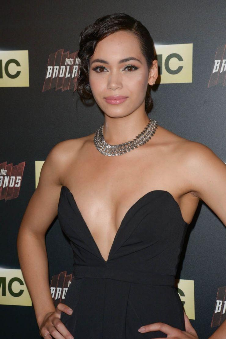 Nackt Madeleine Mantock  'Charmed' Star