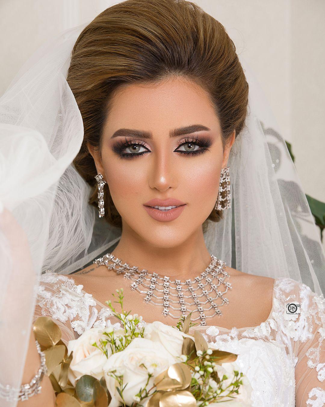 لا تقتل فرحتك بأفكار الأمس ثق بأن لكل يوم أشياء أجمل Vintage Makeup Looks Wedding Hair And Makeup Glam Makeup Look