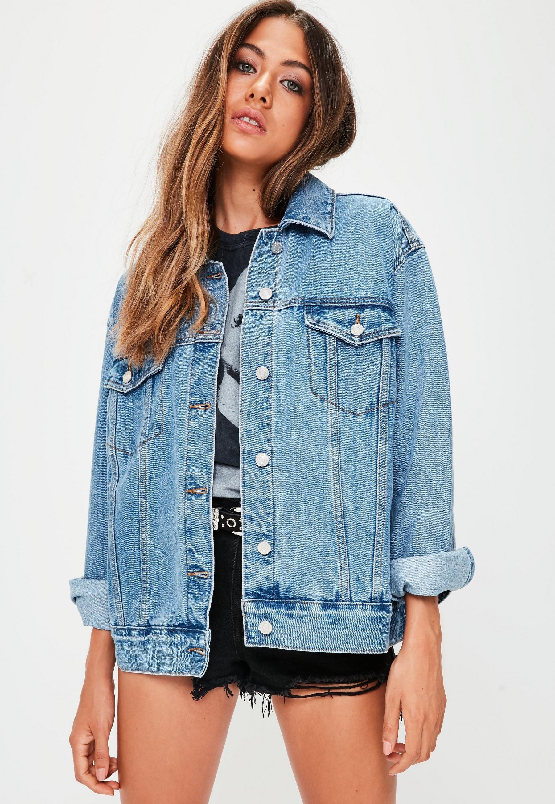 Missguided Veste En Jean Oversize Bleu Clair Oversized Denim Jacket Oversized Denim Jacket Outfit Jean Jacket Outfits [ 2608 x 1800 Pixel ]