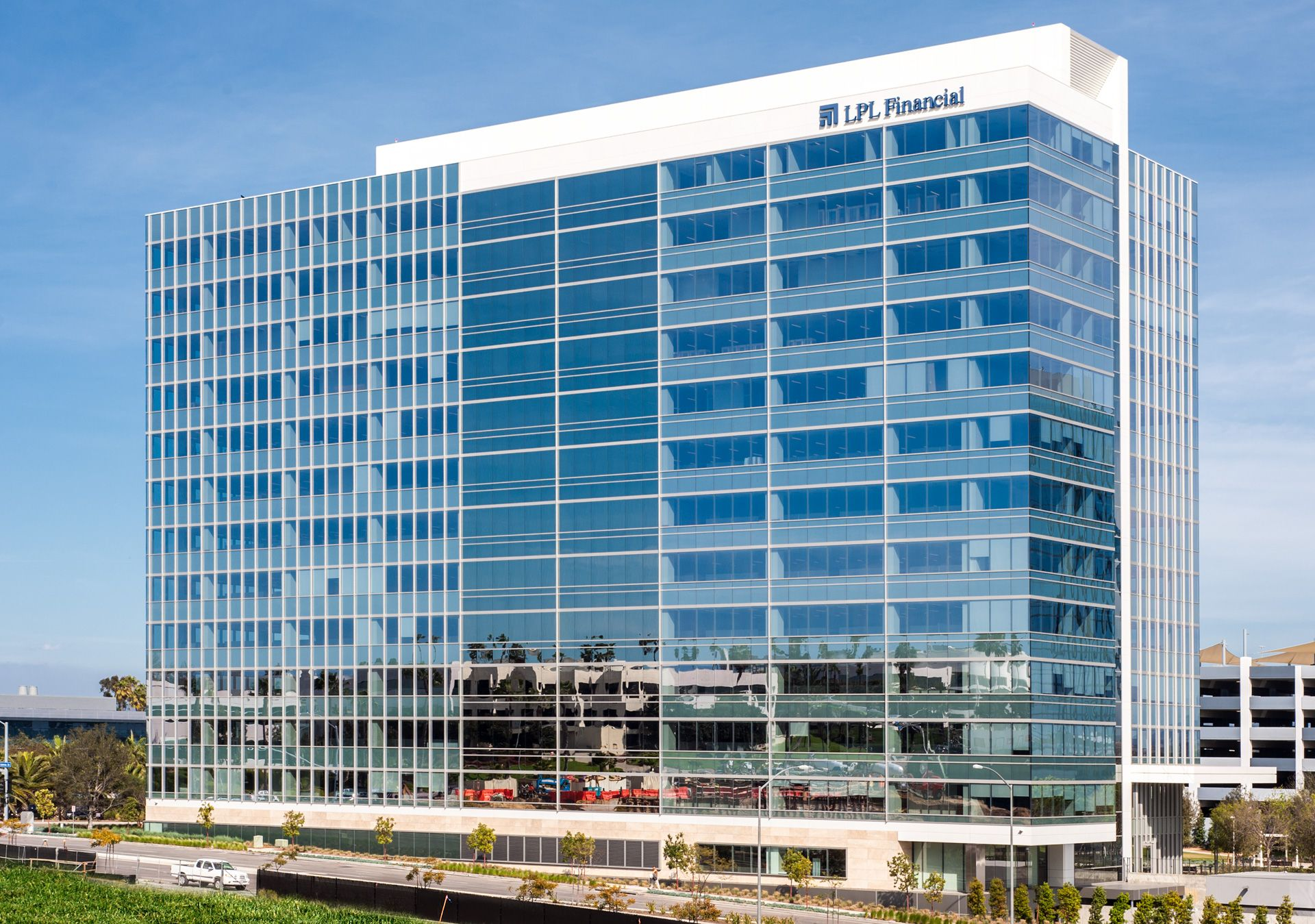 Largest Net Zero Energy Commercial Office Building Opened In San Diego Building Office Building Office Tower