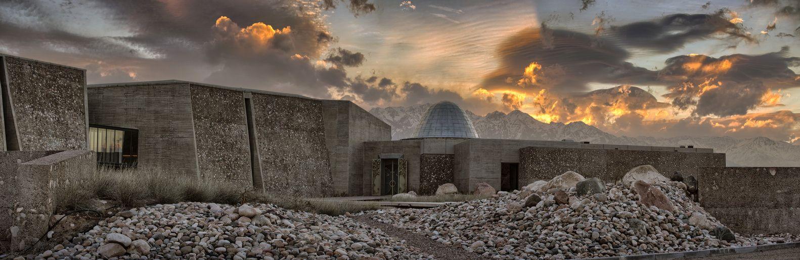 Galería de Bodega Zuccardi Valle de Uco / Tom Hughes + Fernando ...
