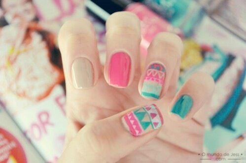 Very, very cute nails...