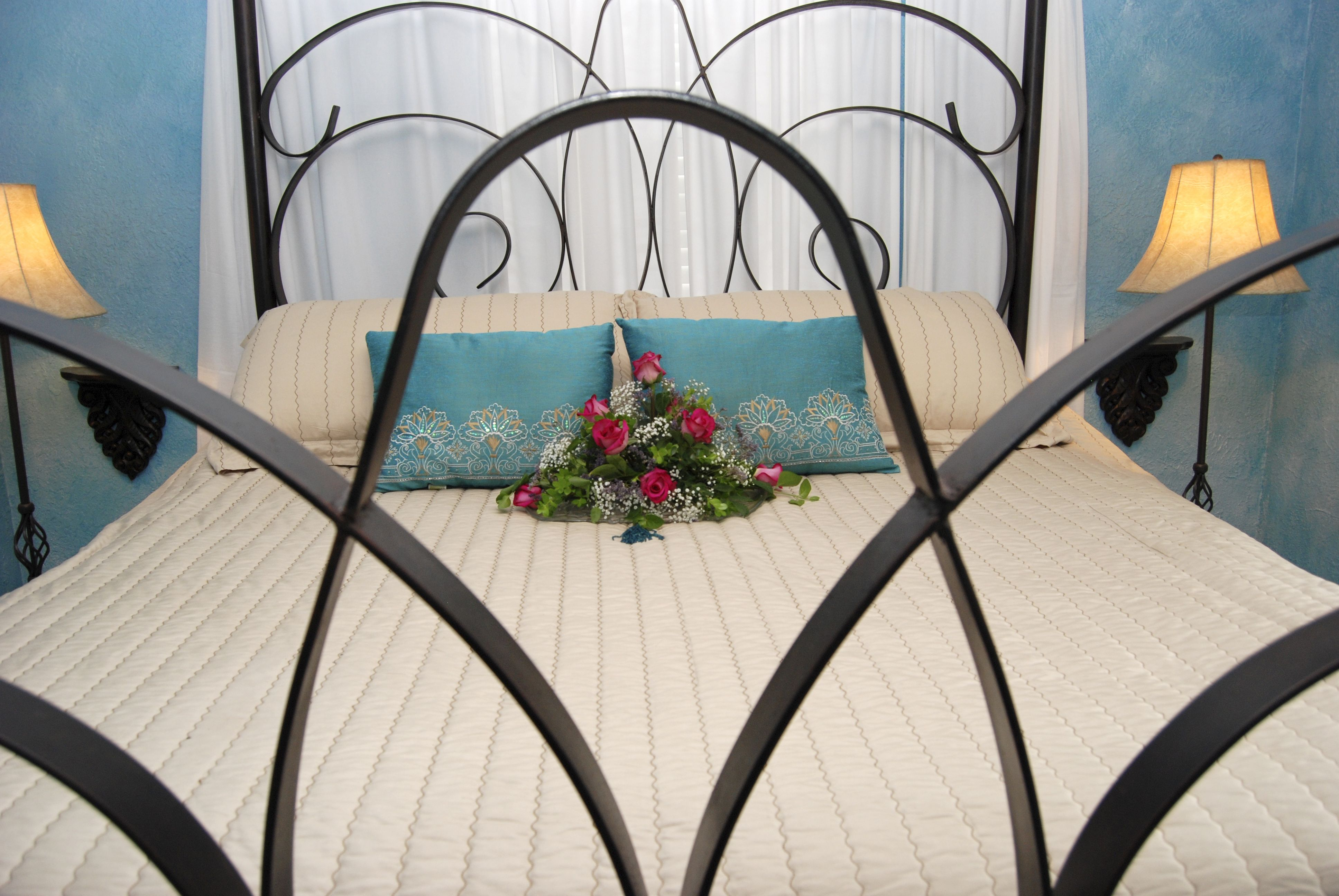 Mediterranean Suite Classy bedroom, Lake house, Bed and